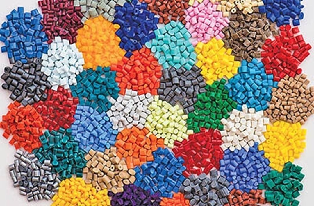 چرا اکثر شیلنگ های امروزی از ماده پی وی سی(PVC) ساخته شده اند؟